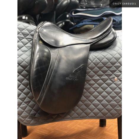 Stubben dressage saddle 17 1/2'' med-wide