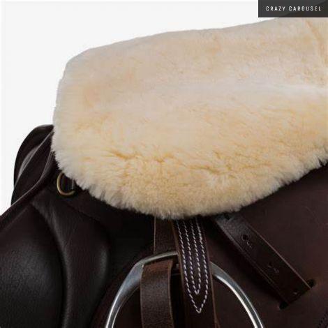 Horze sheepskin seat warmer