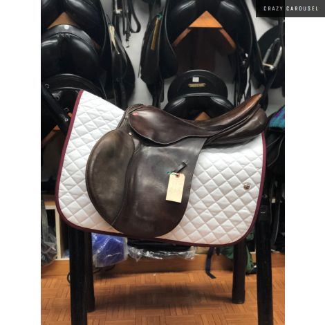 "Courbette 18"" Medium-Wide Jumping Saddle"