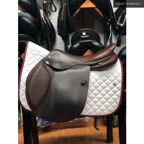 "CWD 18.5"" Medium-Wide Jumping Saddle"