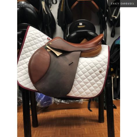 "HDR 17"" Medium-Wide Jumping Saddle"