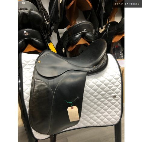 "18"" Medium-Wide Dressage Saddle"